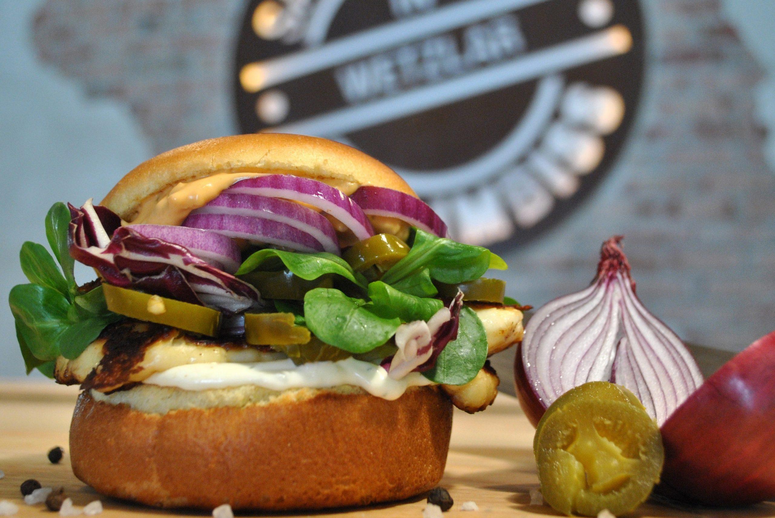Garden salad and veggie burger